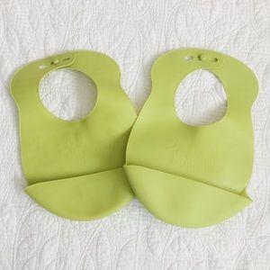 Tommee Tippee® Easi-Roll 2-Pack Bibs